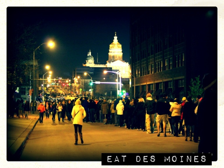 DSM East Village Night Capitol
