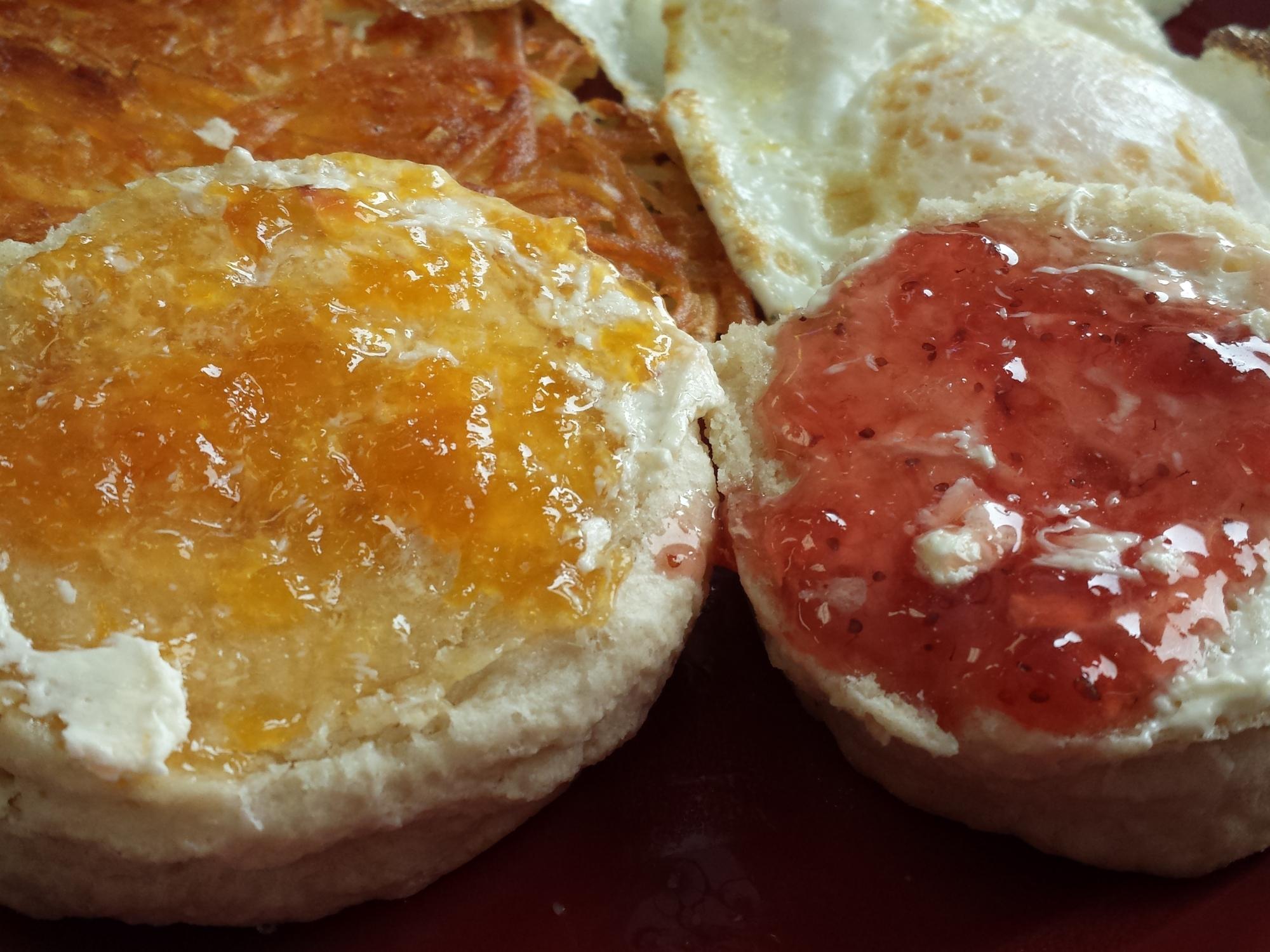 perkupcafe biscuits housemade jam urbandale iowa morethanafoodie