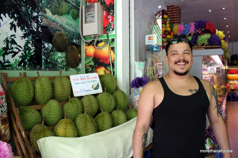 durian sau reing saigon vietnam stinky fruit