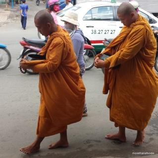 monks buddhist vietnam district 6
