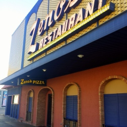 zeno's pizza marshalltown iowa exterior